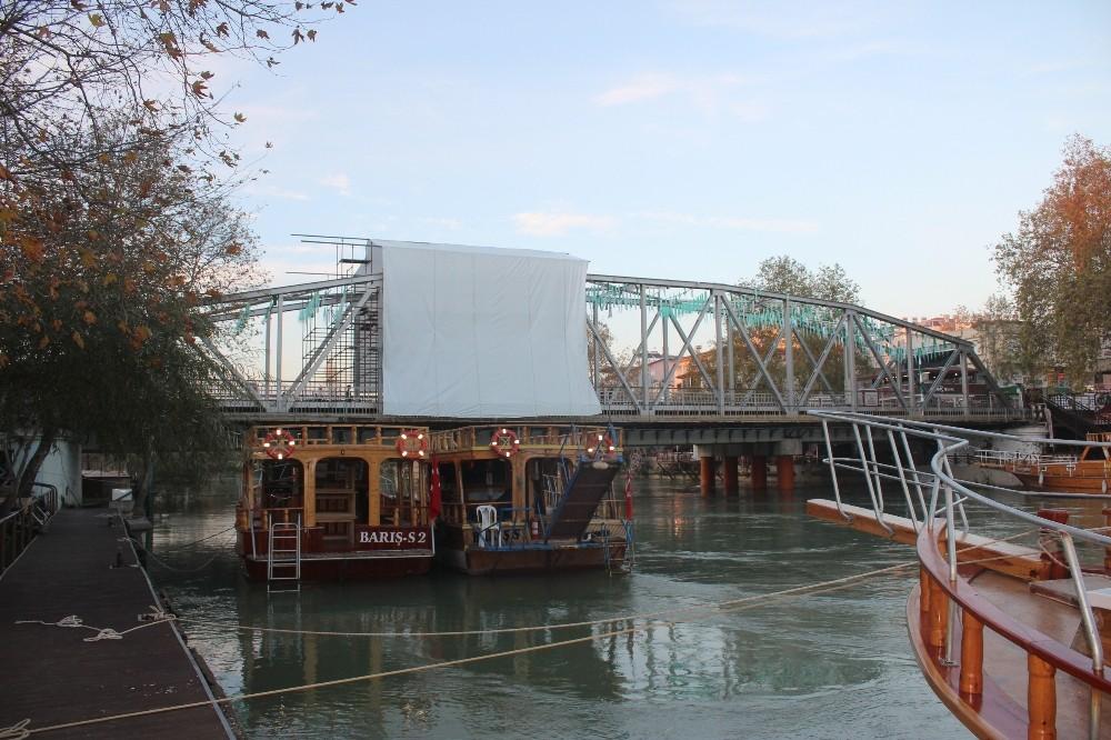 Manavgat Tarihi Yaya Köprüsü yeniden yaya trafiğine açılıyor