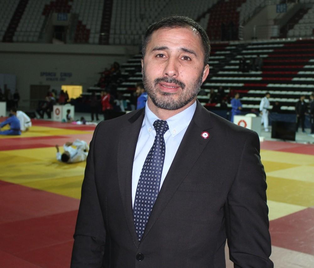 """Sezer Huysuz: """"Bu yıl 200'ün üzerinden uluslararası madalyamız var"""""""