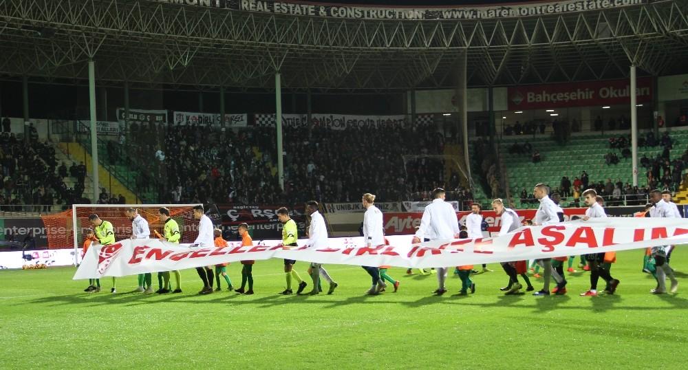 Spor Toto Süper Lig: Aytemiz Alanyaspor:0 Beşiktaş: 0 (Maç devam ediyor )