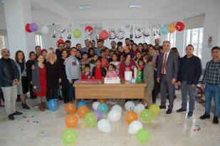 Üniversite öğrencileri engelli öğrencilerle buluştu