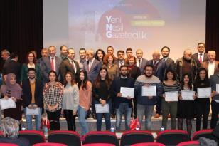 Yeni nesil 25 gazeteci sertifikalarını aldı