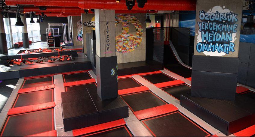 Türkiye'Nin En Büyük Indoor Trambolin Parkı Flyzone