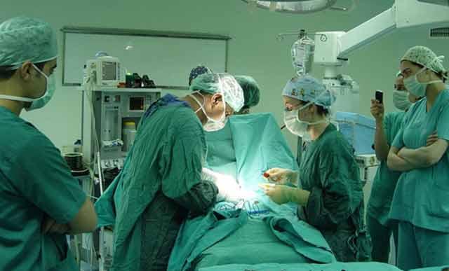 Kimler meme küçültme ameliyatı olabiir?