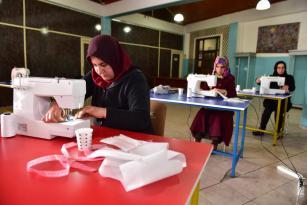 Kepez Belediyesi maske üretiminde tek yürek oldu