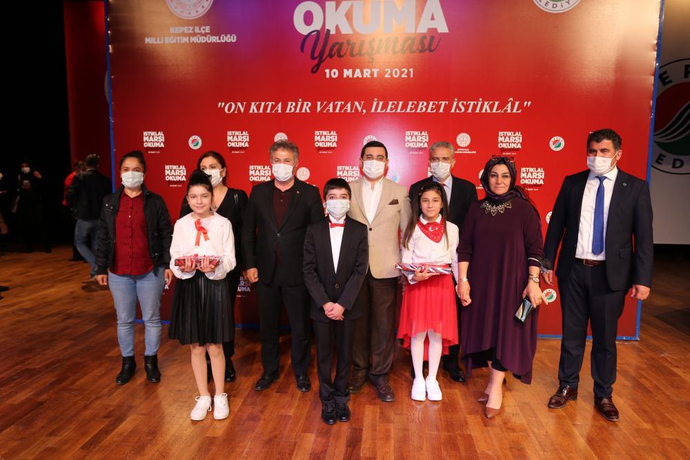 Kepez'de İstiklal Marşı Okuma Yarışması