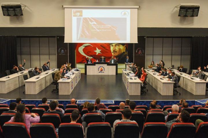 Muratpaşa Belediyesi'nin 2020 yılı faaliyet raporu oybirliğiyle kabul edildi.