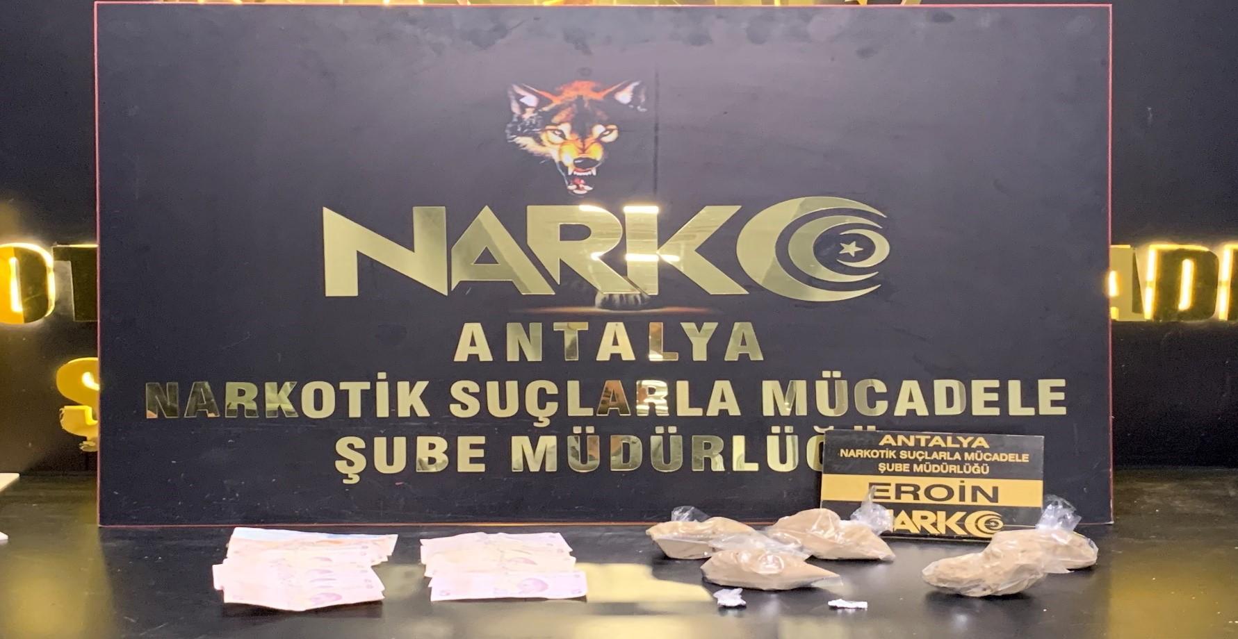 Manavgat İlçesinde Uyuşturucu Madde İle Yakalanan 2 Şüpheli Tutuklandı