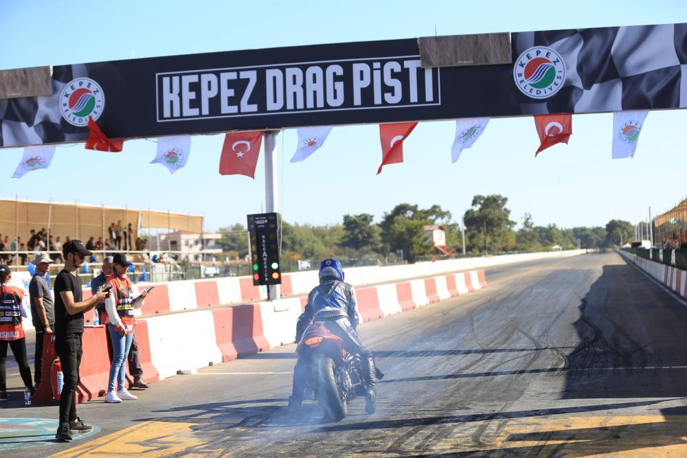 Türkiye Drag Şampiyonları ödüllendirildi